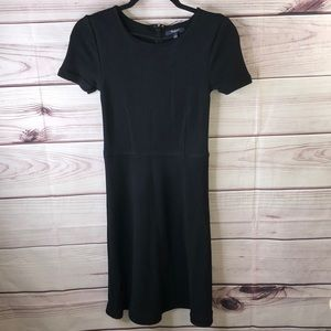 Woman's Madewell dress. Color black size small